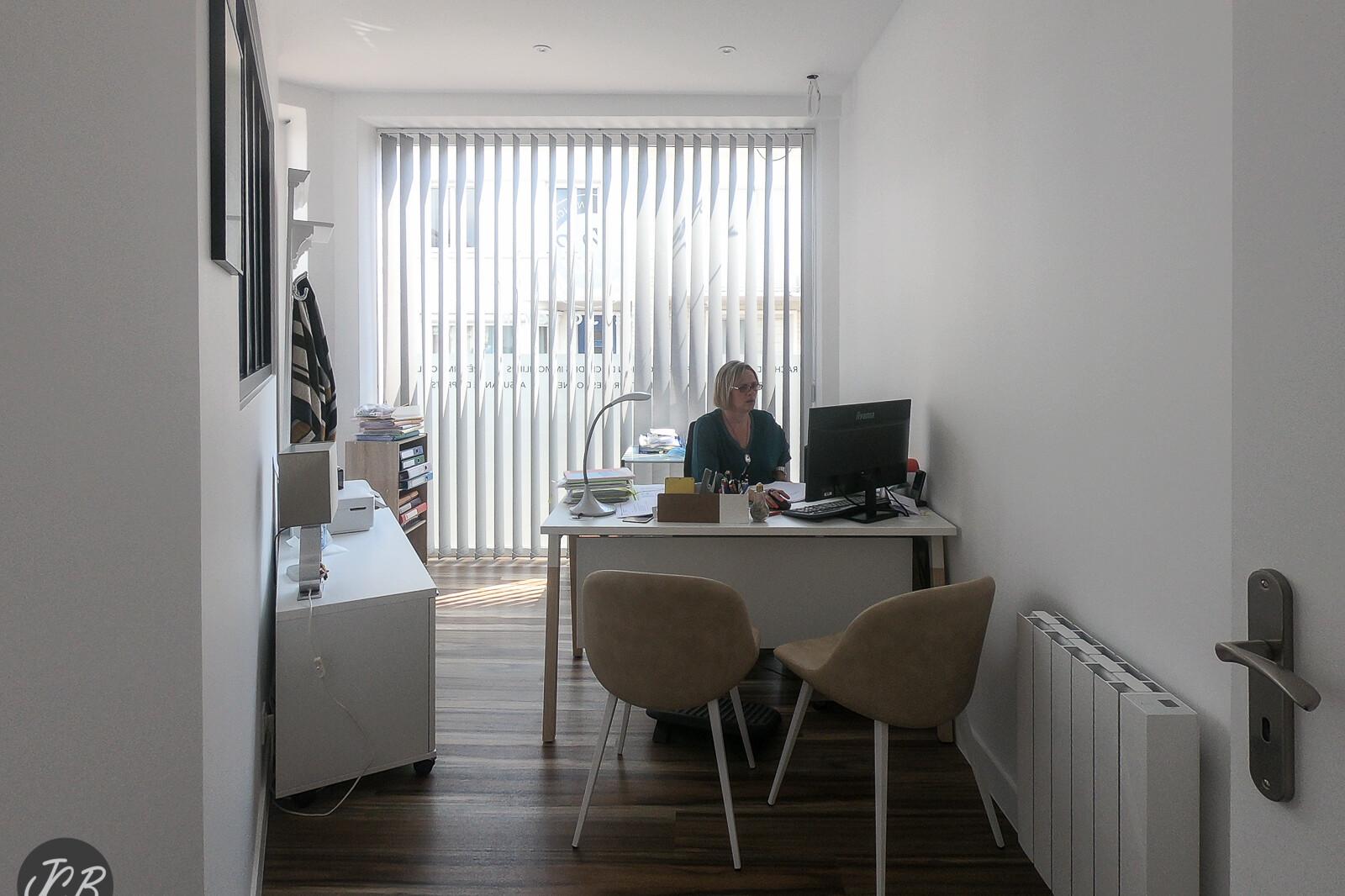 Bureau d'Isabelle Migout conseillère Rachat de crédit Cabinet Boyer